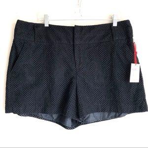 Elle Lace Shorts